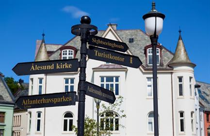 Start planning your cruise and book your excursions to Ålesund