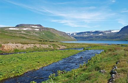 Start planning your cruise and book your excursions to Ísafjörður