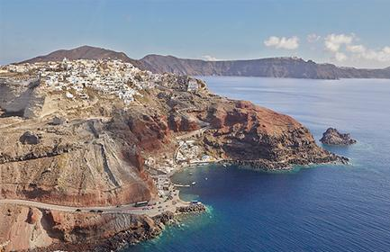 Start planning your cruise and book your excursions in Santorini
